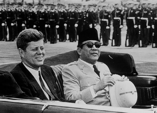 www.genocideindonesia1965.blogspot.com