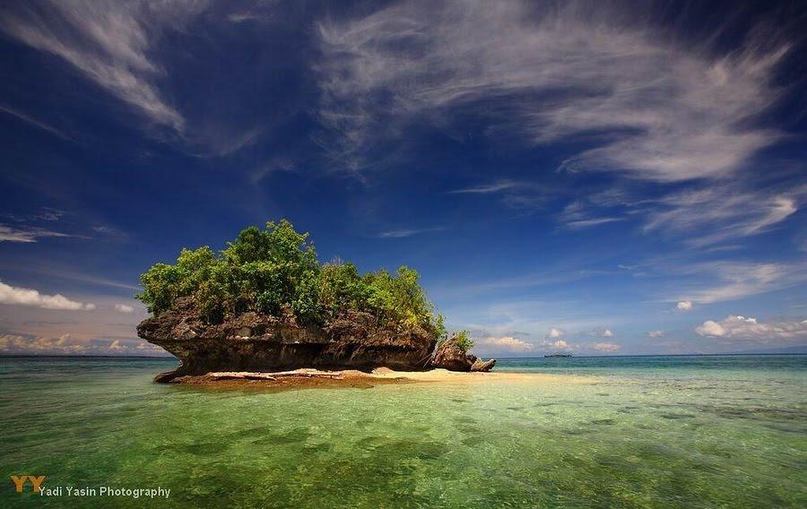 The Kapa Kapa Rock Island source: panoramio.com