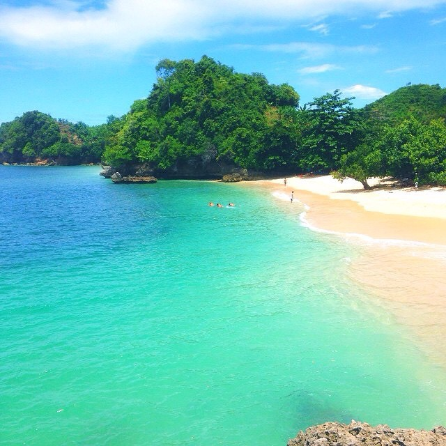 White Sand Beach: 22 Places In Indonesia You'll Find White Sand Beaches With