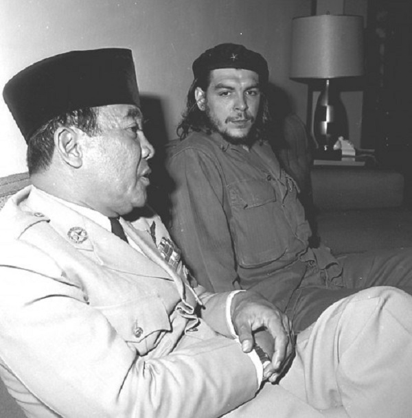 21 Photos Of President Soekarno Hanging Out With Prominent